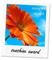 http://cucinaincontroluce.files.wordpress.com/2013/01/sunshine-award.jpg