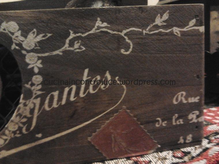 Cassettina di giacinti in perfetto stile shabby...